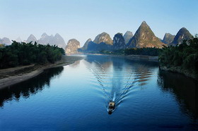 cruise on Li River